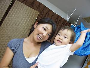スクールへ赤ちゃんと一緒に通学できる日本唯一のロミロミスクール!